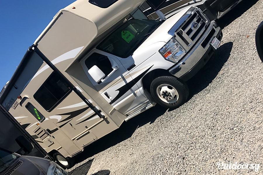 exterior 2016 Coachmen Leprechaun Vallejo, CA