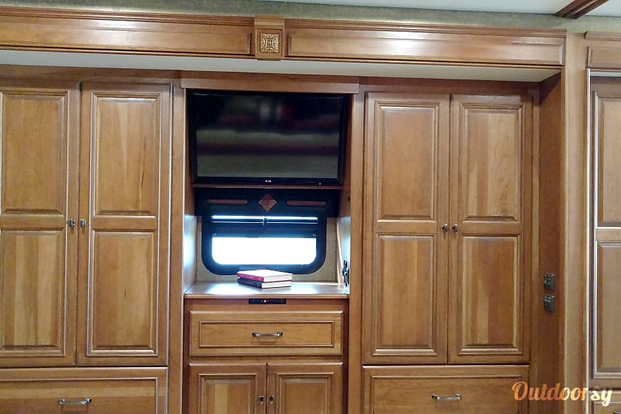 interior 2015 Winnebago Tour Riverview, FL