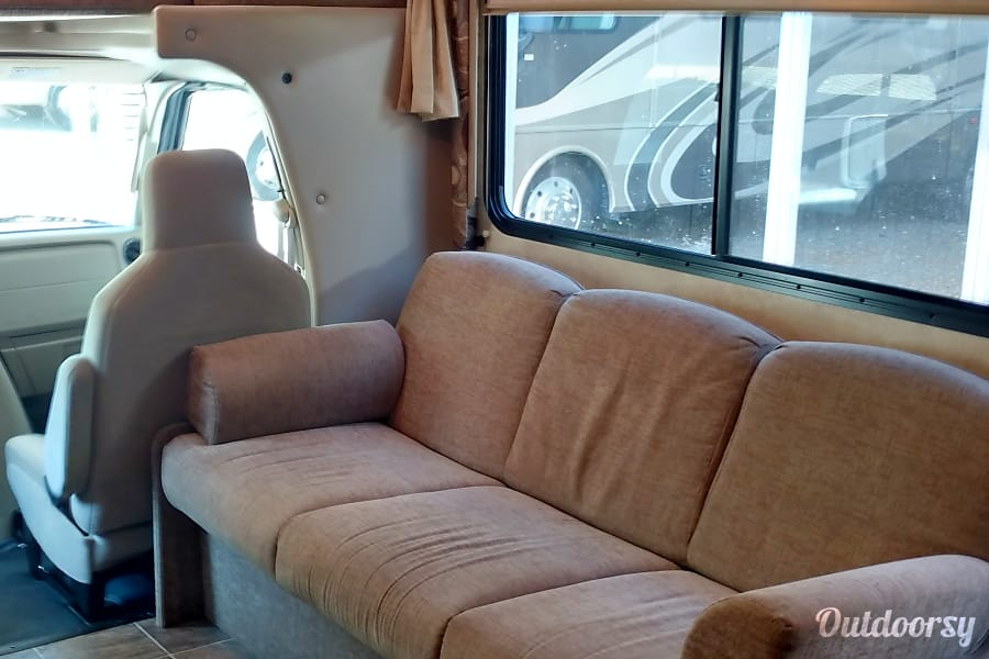 interior 2013 Thor Motor Coach Four Winds 28Z Clearwater, FL