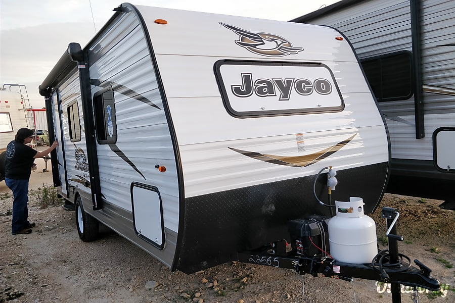 exterior Ms. Charlotte: Make camping easy, simple and fun in a 2018 Jay Flight SLX 195RB San Marcos, TX