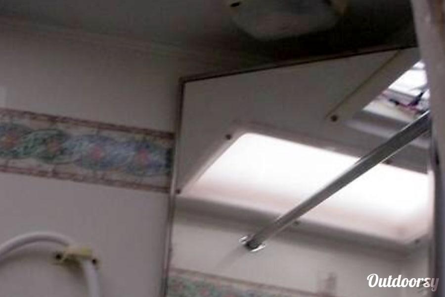 interior 2003 Lance 1010 Huntsville, AL