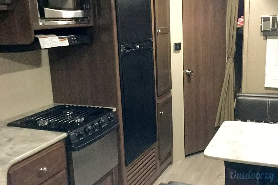 2018 Coleman Other Trailer Rental In Palmdale Ca Outdoorsy
