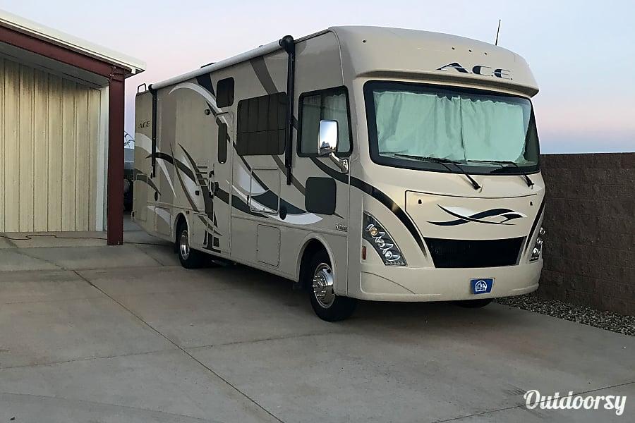 exterior 2017 Thor Motor Coach A.C.E Hobbs, NM