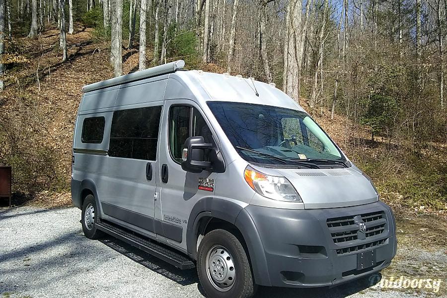 SUMPVEE V5 Custom Camper Van Mills River, NC