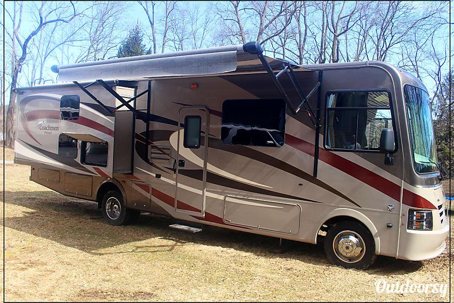 exterior 2016 Coachmen Pursuit Bangor, PA