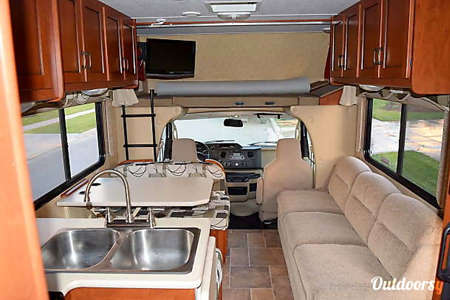 2011 Forest River Sunseeker Motor Home Class C Rental In
