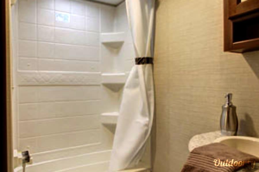 2017 Camper. Queen bedroom. 2 bunk beds Windham, ME