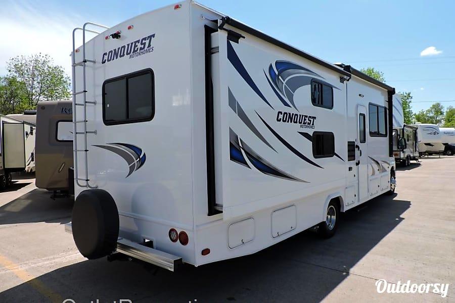 exterior R2 2017 Conquest Class C Detroit Lakes, MN