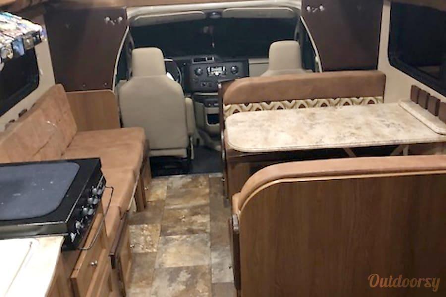 interior 2017 Coachmen Leprechaun Atwater, CA