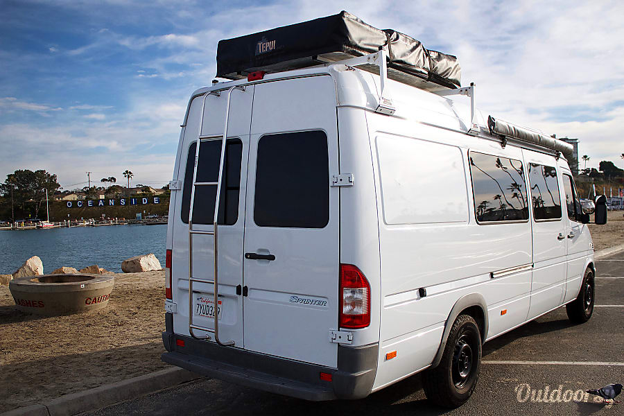 Mike Hiscoxs 2005 Sprinter 2500 Expedition Camper - Dodge Rv Van