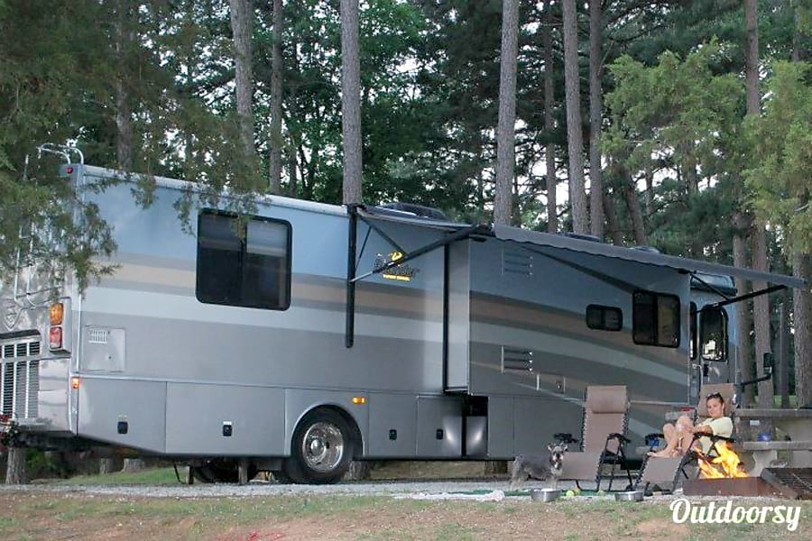 exterior Winter Special Rates - Fort Wilderness Special / Florida Road Trip -  Fleetwood Bounder 38N Orlando, FL