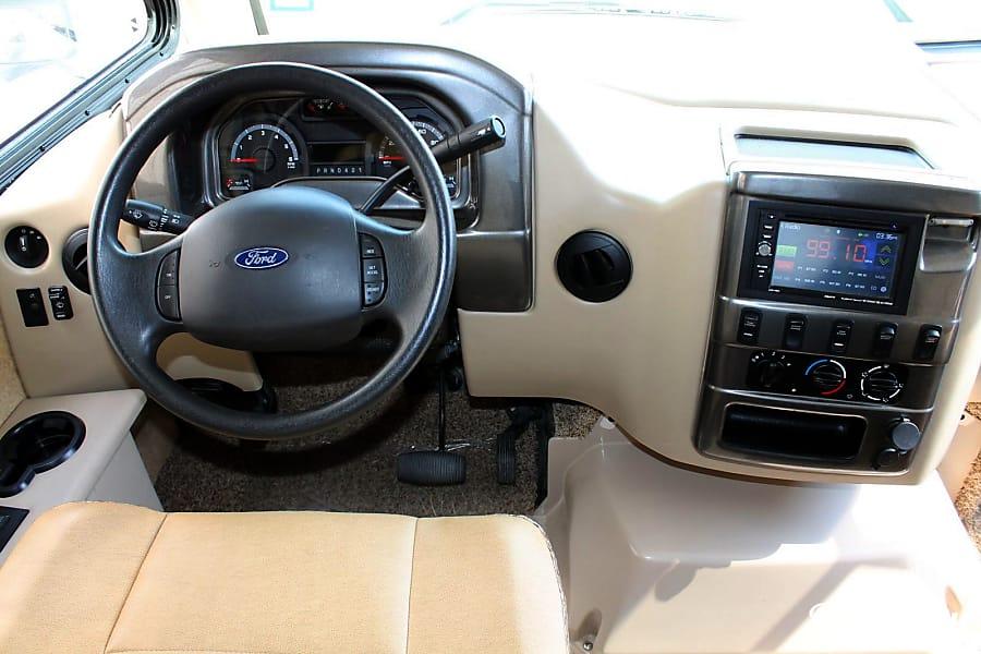 interior 2016 Thor Motor Coach Vegas Humble, TX