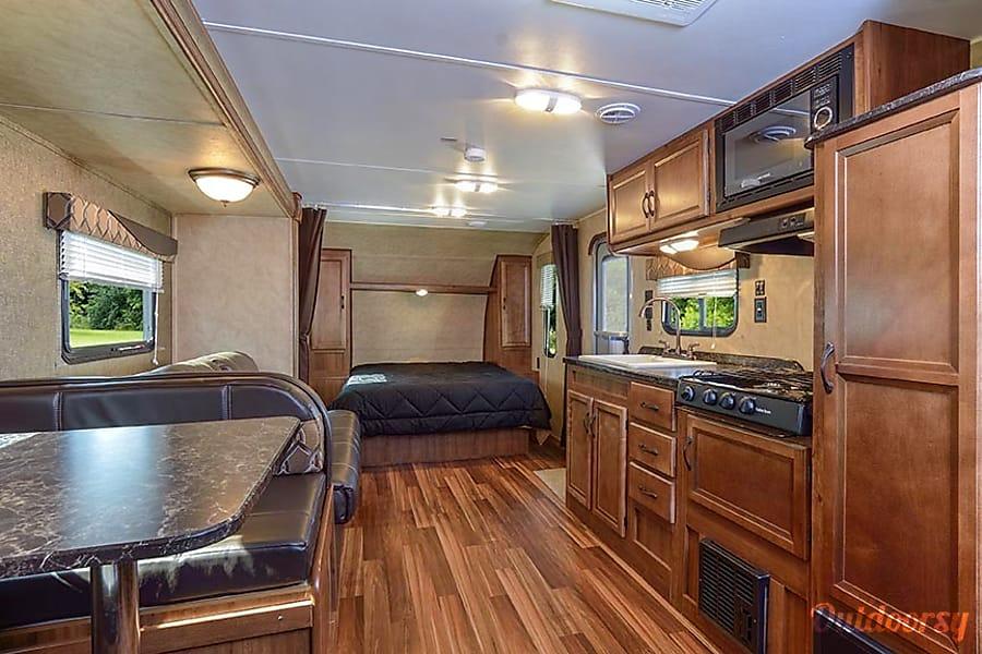 interior R4  2018 Amerilite 259 Detroit Lakes, MN