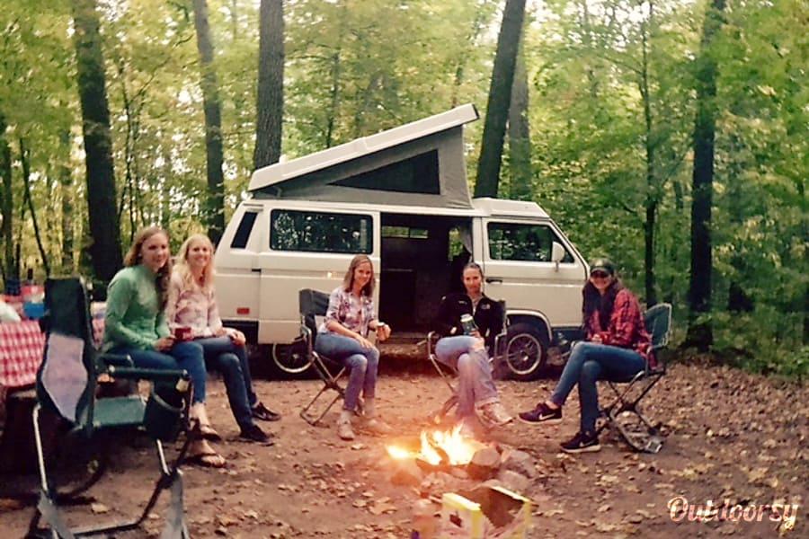 exterior Cruisin' Rex Camper + Sleep/Kitchen/Camp Gear St. Paul, MN