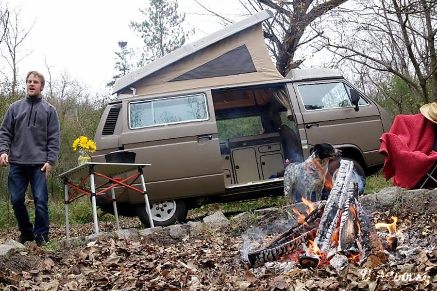 1986 Volkswagen Vanagon Motor Home Camper Van Rental In St Paul Mn