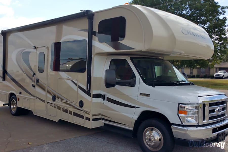 exterior Spacious 2018 Class C RV BUNKHOUSE! EASY DRIVE -Delivery and Pick up Available Magnolia, DE