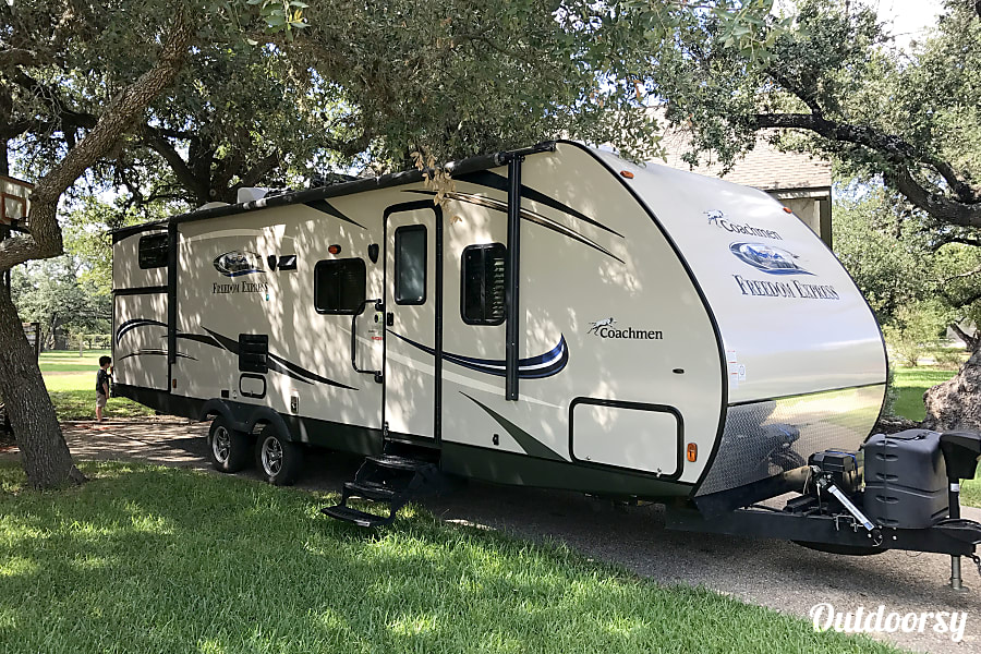 The Family Bunkhouse Vacationer San Antonio, TX