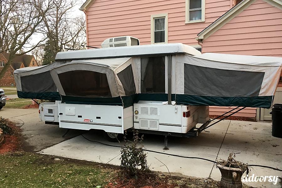 exterior 2000 Coleman Bayside Pop Up Camper 2000 Bayside Grand Tour Elite Livonia, MI