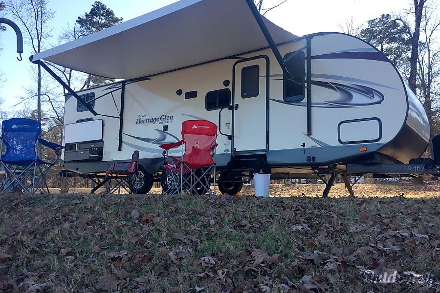exterior 2017 Forest River Heritage Glen Longview, TX