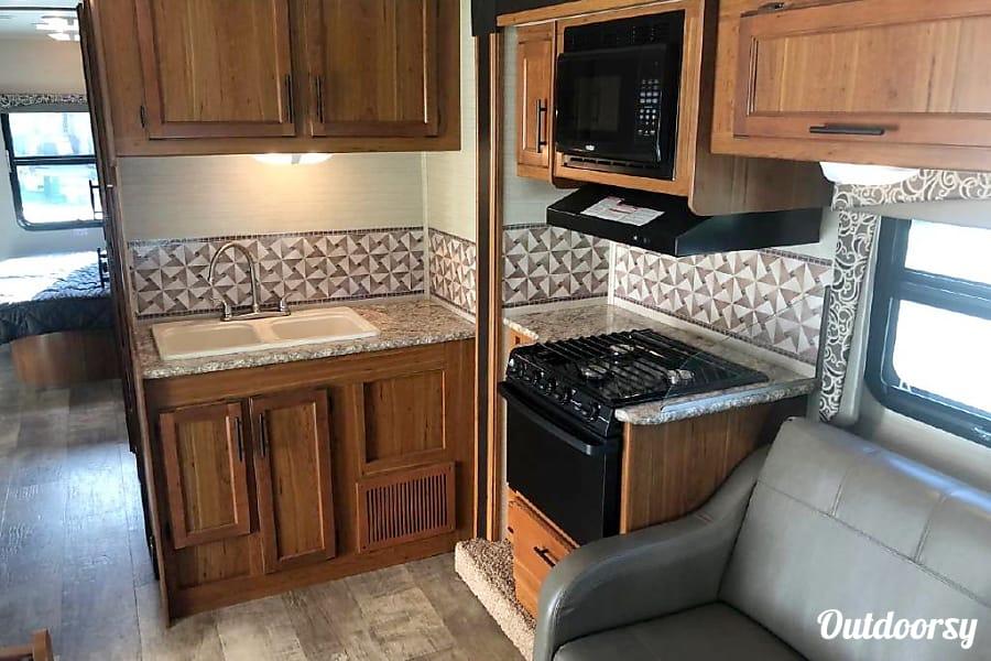 2017 Jayco Redhawk Motor Home Class C Rental In San Diego