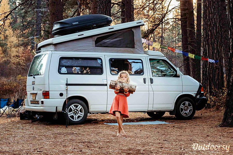 Vw Eurovan Camper >> 2002 Volkswagen Eurovan Motor Home Camper Van Rental In Portland Or