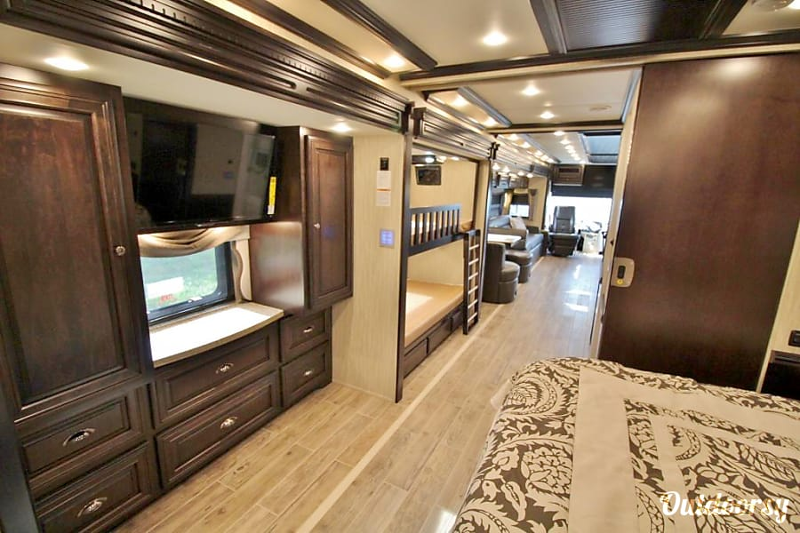 2 full bath! 2017 Newmar Dutch Star Montgomery, TX