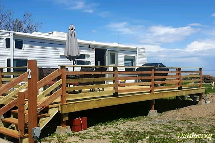 Cozy 31 foot camper by the sea Pointe Verte, NB