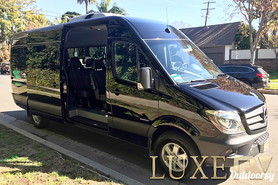 2018 Mercedes Sprinter 3500 Motor Home Class B Rental In