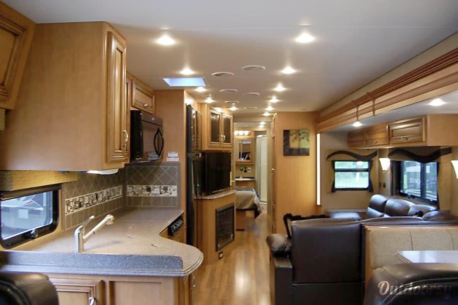 interior 2015 Newmar Canyon Star Lawrenceville, GA