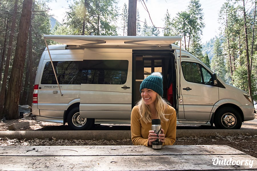 2014 Mercedes Benz Sprinter Motor Home Camper Van Rental