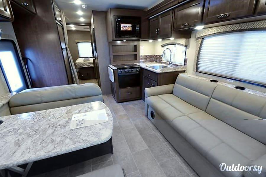 "interior 2018 Thor Motor Coach Chateau SLEEPS 10 AKA ""Jack"" Las Vegas, NV"