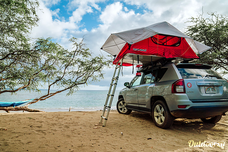 Jeep 4x4 with Rooftop Tent Fully Equipped Paia, HI