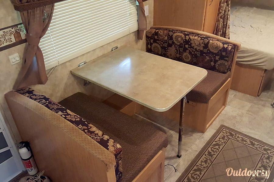 interior 2007 Mallard Sport 18CK Newington, ON