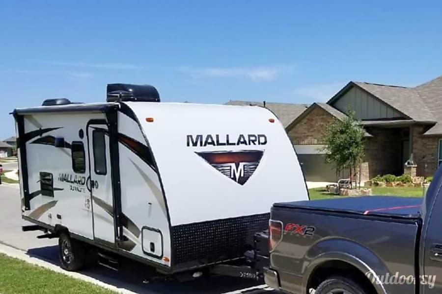 exterior 2018 Heartland Mallard M185 w/ Indoor/Outdoor Shower Buda, TX