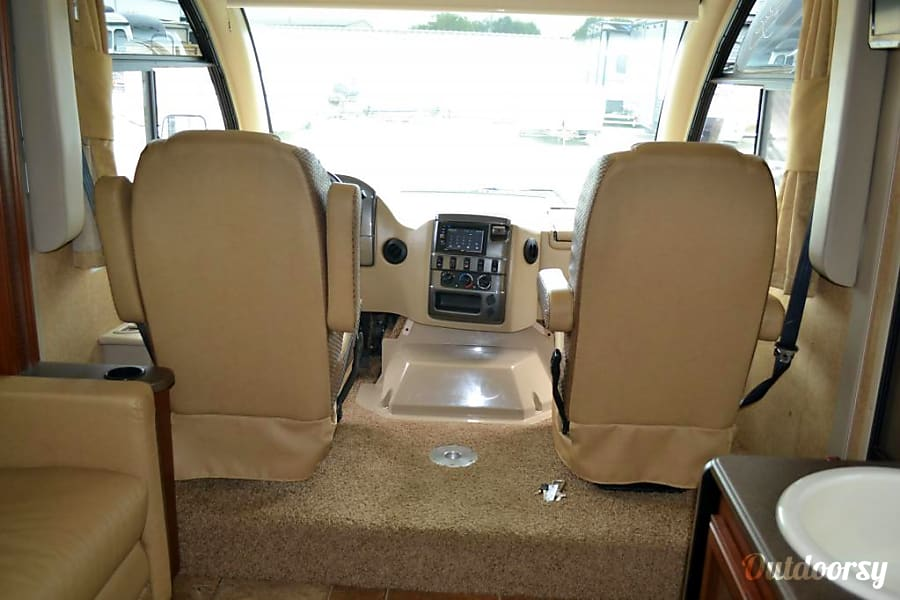 interior Thor Vegas (25.2 ft class C with overhead bunk) San Diego, CA