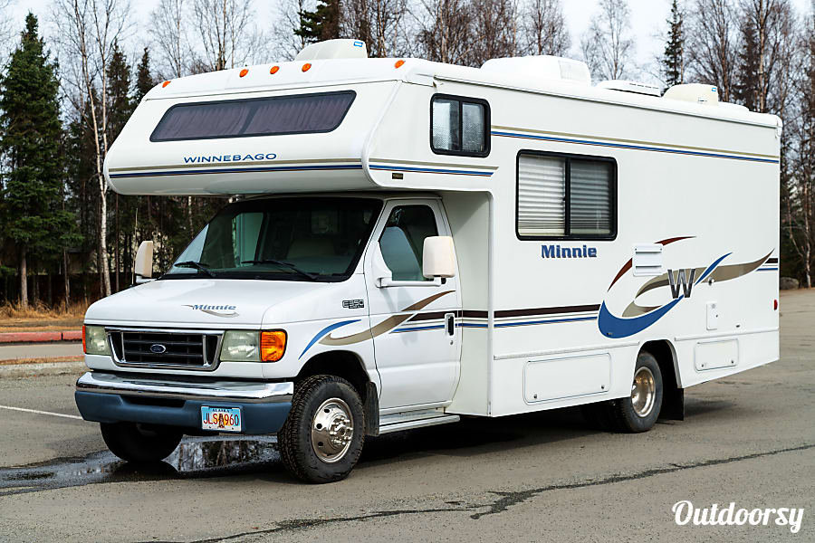2004 Winnebago Minnie SLEEPS 4-6, ROADSIDE ASSISTANCE REQUIRED. Anchorage, AK