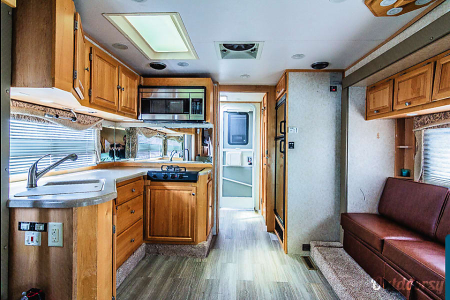 Host 330TH Diesel 4 Captain Chairs And 4WD Bunk Room/toy Hauler Idaho Falls,