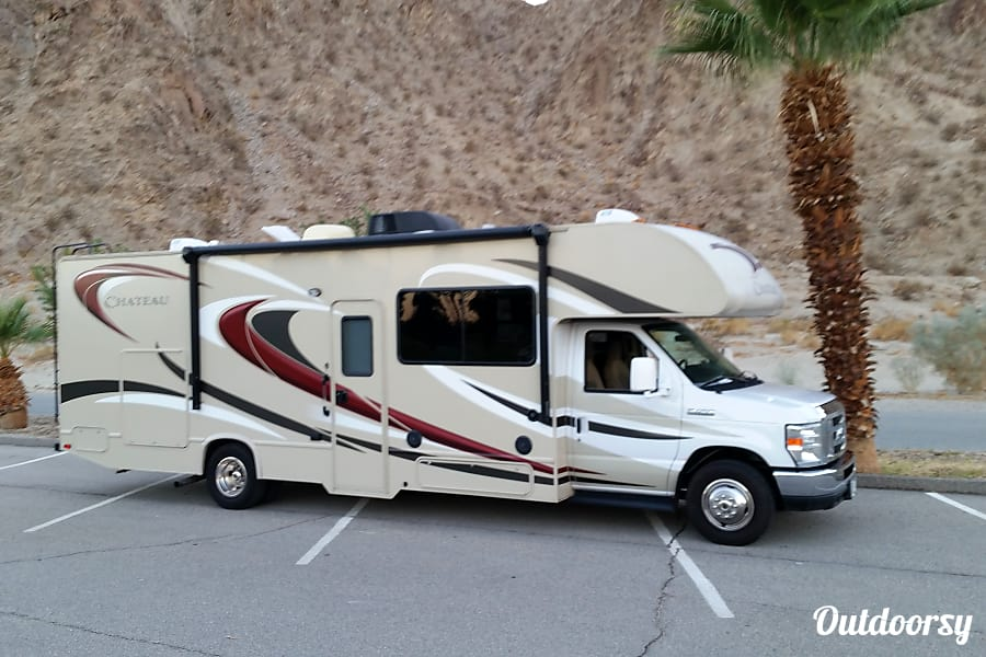 2016 Newer clean, well maintained. MUCH nicer rig than those nationwide rentals San Diego, CA