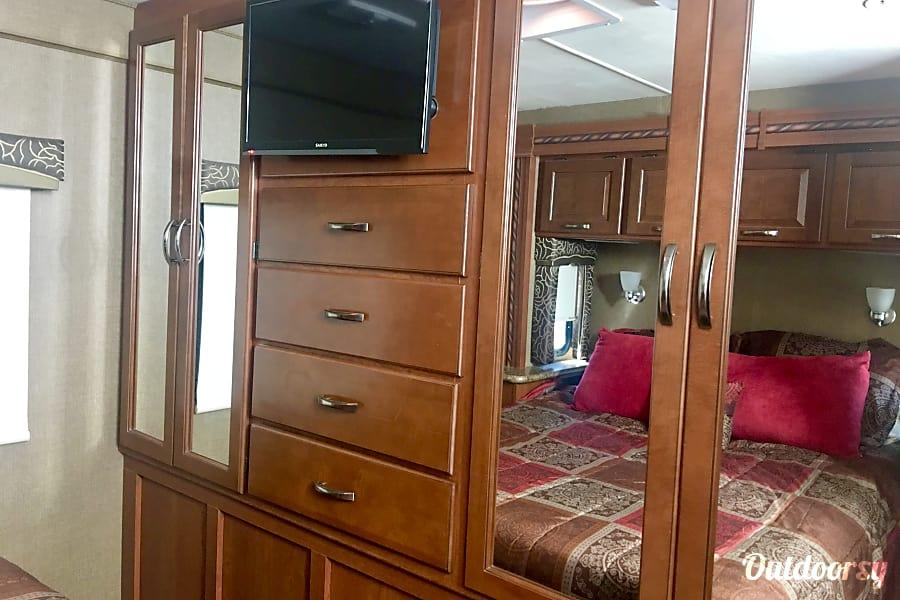 interior 2015 Thor Motor Coach Chateau Washington, UT