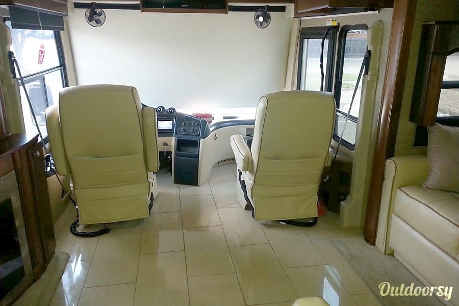interior 2013 Thor Motor Coach Tuscany Arlington, TX
