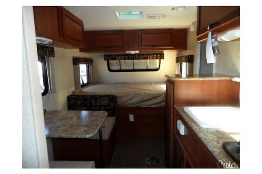 interior Hotel On Wheels 2016 Bunkhouse. Sleeps 4-6 / SUV Towable Buellton, CA