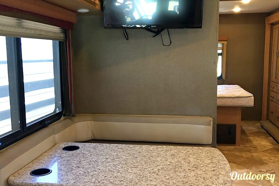 interior 2015 Thor Motor Coach A.C.E 29.3 Triton/ V10 Bethel Island, CA