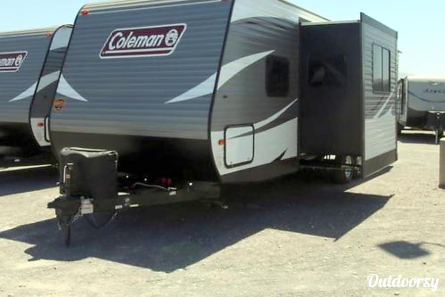 exterior 2016 Coleman 300TQ El Paso, TX