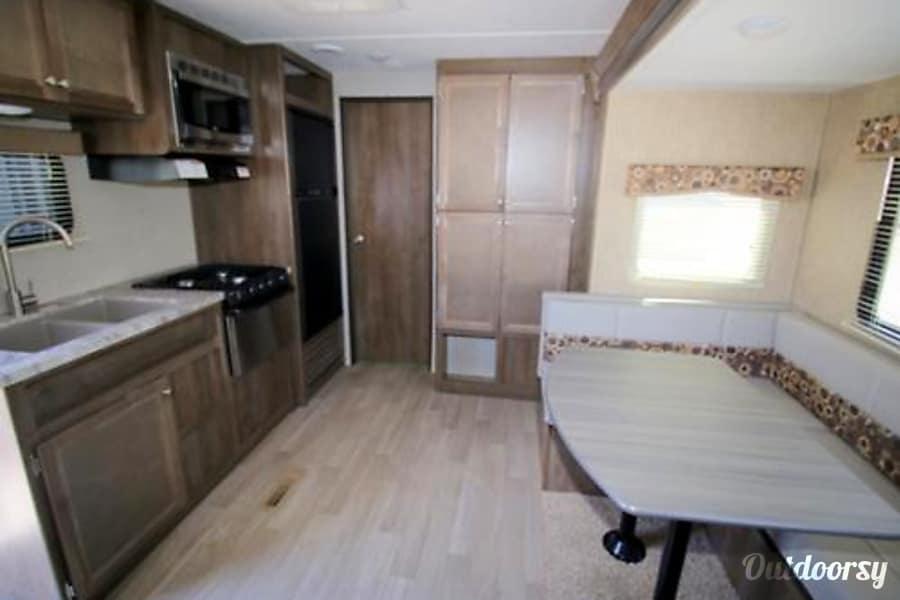 interior 2016 Coleman 300TQ El Paso, TX