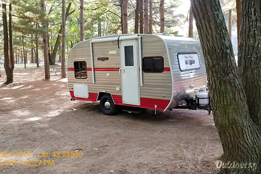 exterior 2016 Riverside Rv Retro 166 Gobles, MI