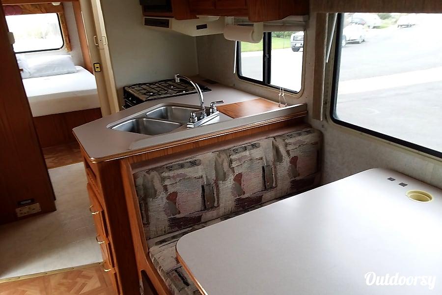 interior 2000 Winnebago Chalet Lafayette, CO