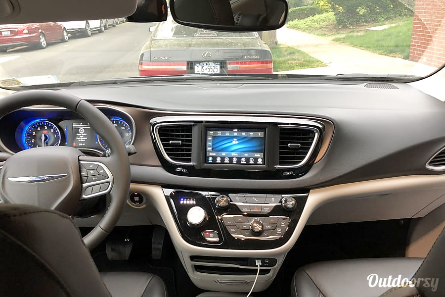 2018 Chrysler Pacifica Rego Park, NY