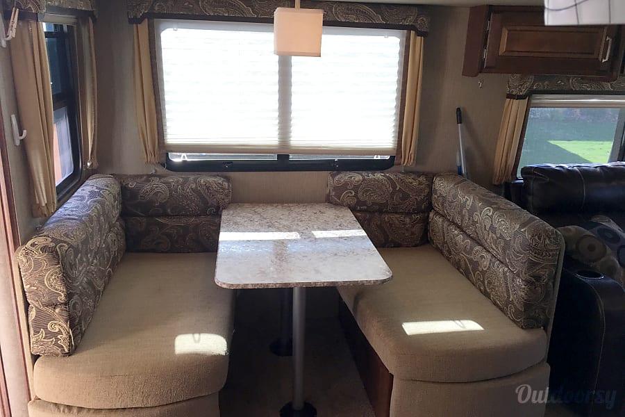 interior GK's Ultimate Mobile Vacation Station Abilene, TX