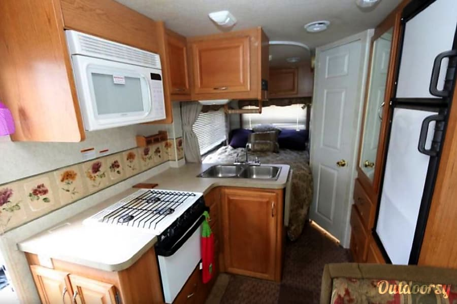 interior 2004 Fleetwood Jamboree - excellent condition & easy to drive Boise, ID