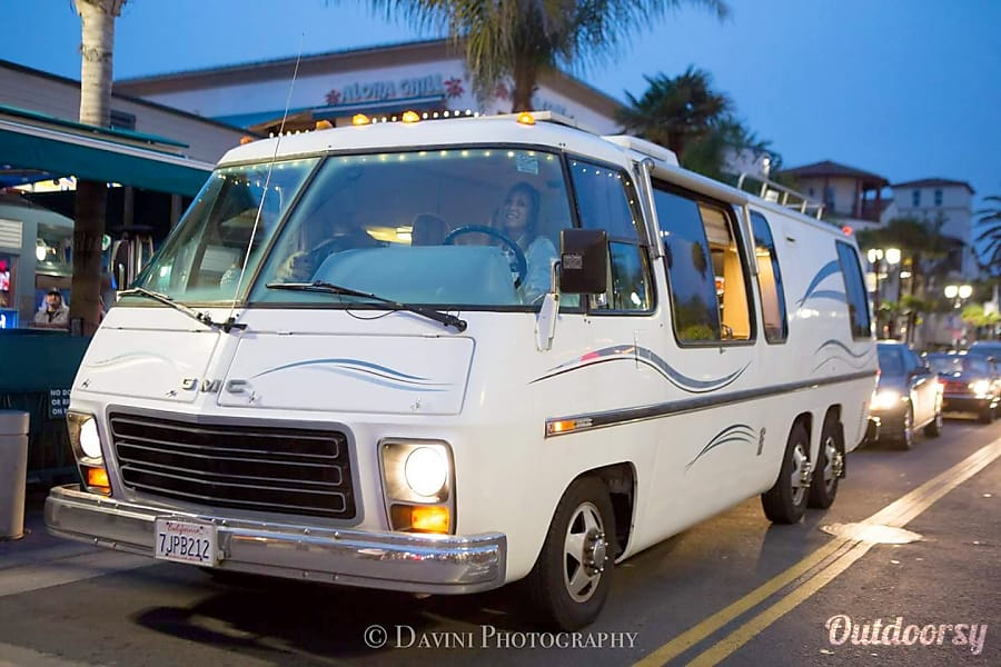 """Coach Ella""  Classic 1975 GMC RV Huntington Beach, CA"